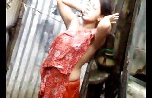 ילדת אמבטיה הודית אחות מזדיינת