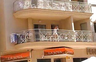 ילדה מצלמה נסתרת ללא תחתונים במרפסת סרטים כחולים חדשים בחינם
