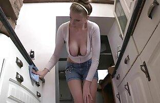 אל תשכח להיזהר כשאתה מנקה. סקס חינם לסביות