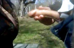 גבר וזונה בפארק. מין סרטים חינם
