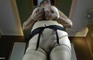 סבתא עם ציצים גדולים וזונה רעבה בחורה יפה מאוננת