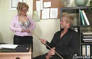 סקס לוהט עם זונה מבוגרת.