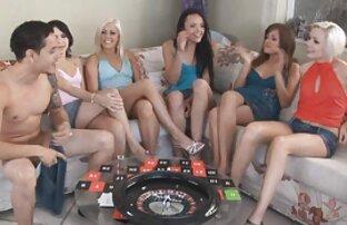 שש בחורות שוות במשחק מסיבות. באלי סקס חינם