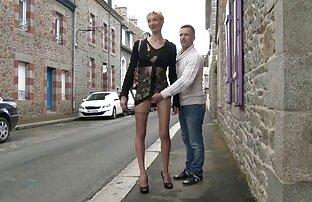 צרפתית בוגרת מארי הלן ברחוב